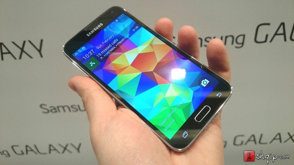 Galaxy S5 dhe pajisjet e reja Gear janë në shitje në mbarë botën
